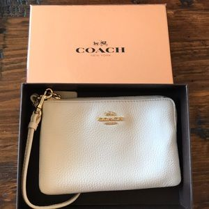 New Coach Cream Leather Corner Zip Wristlet